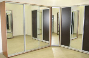 Двери-купе с зеркалами