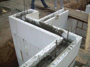 Строительство дома. Бетонная опалубка