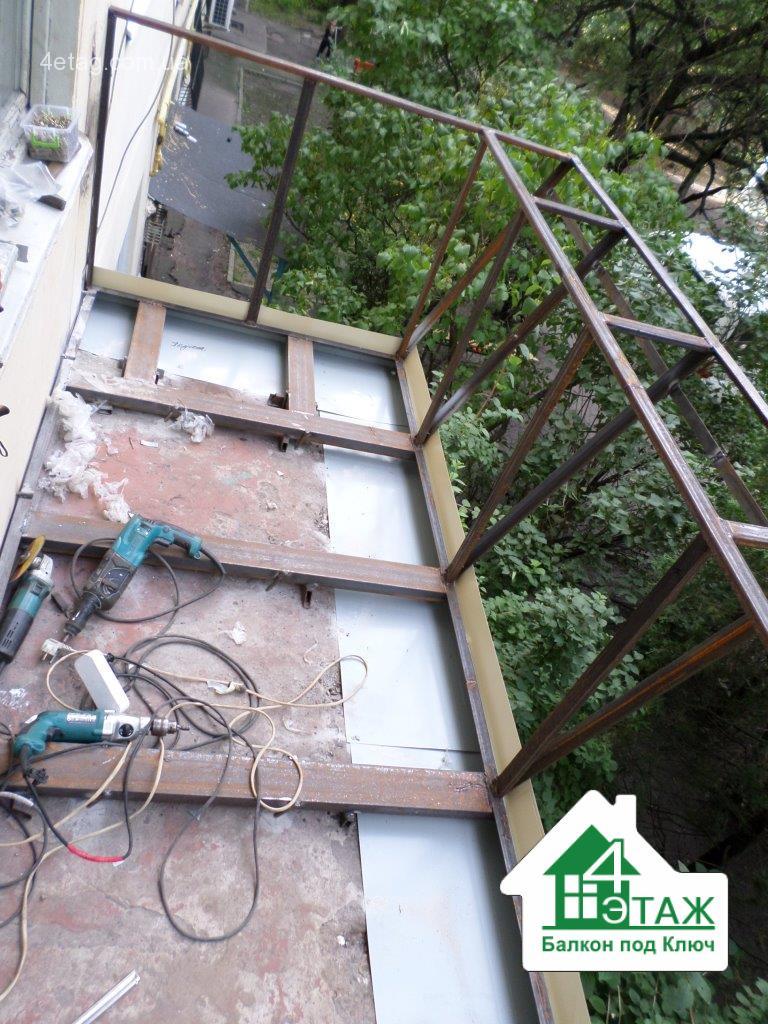 Балкон с выносом по полу - 5 плюсов, 5 мифов.
